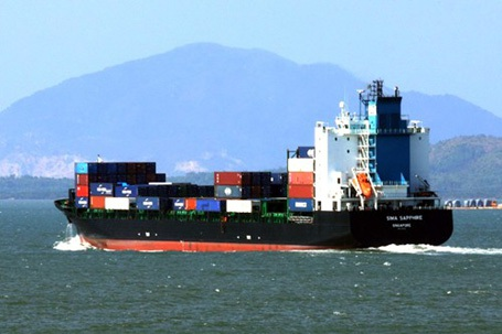 Tàu hàng và tàu cá đâm nhau, 7 ngư dân mất tích