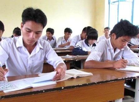 Trong lúc chờ hướng dẫn, các trường THPT tổ chức ôn thi tất cả các môn đến hết ngày 7/5 tới.