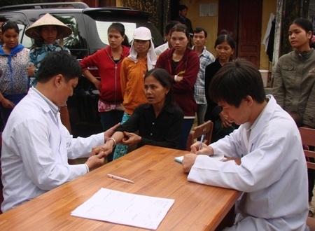 Hiện nay, Ba Tơ tiếp tục phát hiện 35 trường hợp men gan tăng sau khi khám sàng lọc.