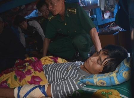 Ngư dân bị đánh thương nặng trên tàu QNg 90205-TS rất cần sự giúp đỡ, hỗ trợ của xã hội.