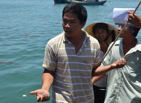 Ngư dân trên tàu ông Nguyễn Văn Quang kể lại sự việc.