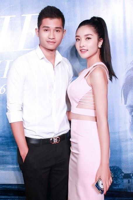 Đồng hành cùng Triệu Thị Hà là giải Bạc Siêu mẫu 2012 Đinh Minh Quân