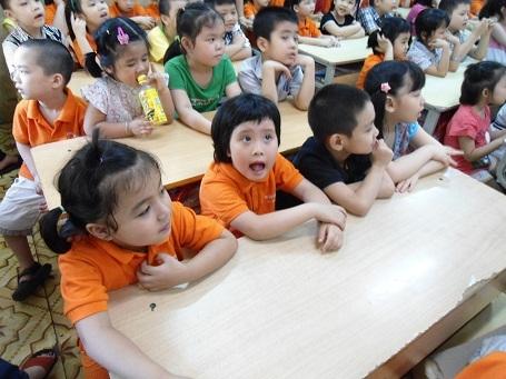 Bộ GD-ĐT cảnh báo việc cho trẻ học chữ trước