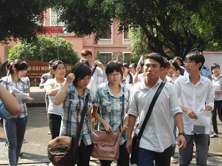 Thí sinh tham dự kì thi ĐH năm 2012.