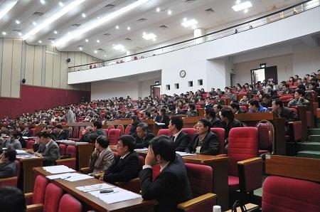 Quang cảnh Hội nghị ở đầu cầu Hà Nội. (Ảnh V.H)