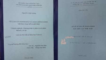 Bìa hai cuốn luận án Phó tiến sỹ.