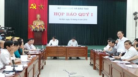 Quang cảnh buổi họp báo quý I do Bộ GD-ĐT tổ chức chiều ngày 15/4.