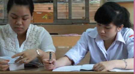 Học sinh trường phổ thông vùng cao Việt Bắc đang nỗ lực học tập