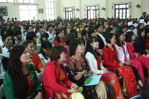 Hơn 500 học sinh và giáo viên tham gia giao lưu với Bộ trưởng Bộ GD-ĐT