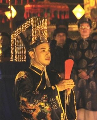 """Vua giả"" vẫn làm lễ tế tại Festival Huế 2012"