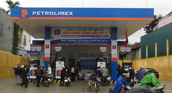 Ngành xăng dầu Huế có mức thưởng 14 triệu đồng - không cao so với năm ngoái.