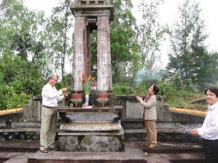 Khu tưởng niệm 2 chí sĩ Trần Cao Vân - Thái Phiên
