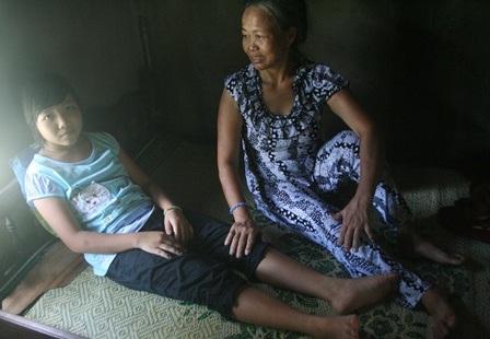 Căn nhà tồi tàn nơi Thanh ở với mẹ bị tâm thần và dì bị động kinh