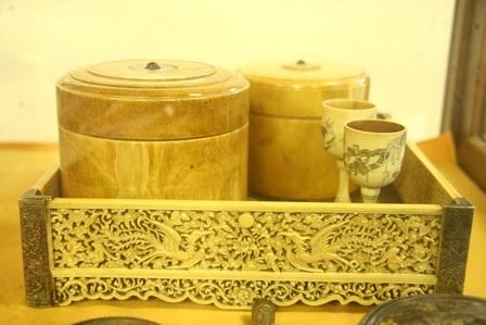 Khay trà cổ lạ
