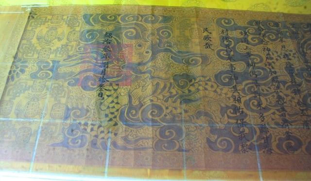 Cháu ngoại vua Thành Thái hiến tặng cổ vật cho bảo tàng Huế
