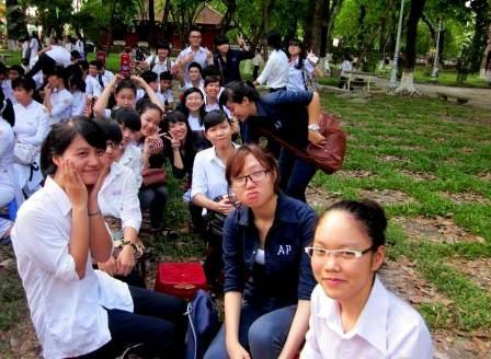 Bảo Ngọc cùng các bạn trong lớp 12 chuyên Anh - Pháp, trường THPT chuyên Quốc Học Huế