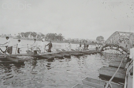 Cầu Trường Tiền - biểu tượng của Huế bị gãy trong chiến cuộc Mậu Thân 1968