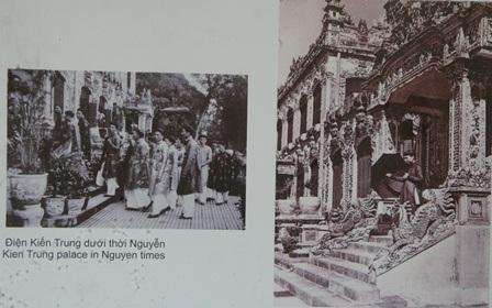 Linh Tinh môn và Văn Miếu Môn đầu thế kỷ 20 – và được trùng tu năm 2008