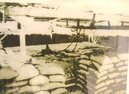 Kho lương thực của lính bảo an người Việt trên đảo Hoàng Sa, ảnh chụp năm 1951