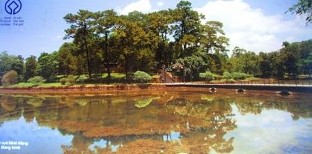 Lăng Minh Mạng với kiến trúc, cảnh quan đẹp tuyệt vời thuộc Quần thể di tích cố đô Huế
