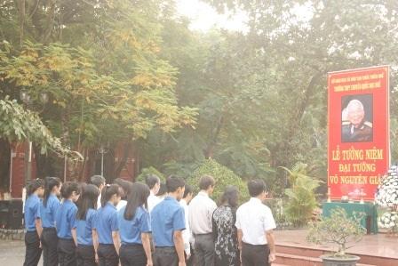 Lễ tưởng niệm người học sinh xuất sắc của trường Quốc Học Huế.