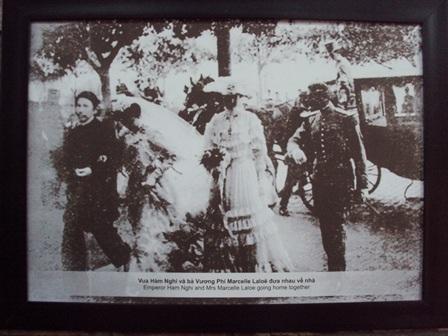 Vua Hàm Nghi và bà Vương Phi Marcelle Laloe
