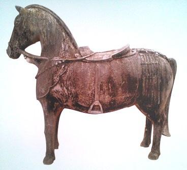 Cận cảnh ngựa đá lăng vua Gia Long