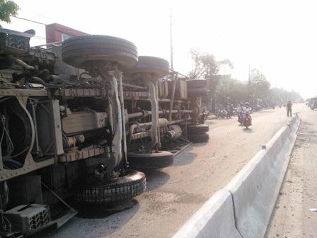 Chiếc xe tải gặp nạn