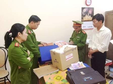 Công an Thừa Thiên Huế đọc lệnh bắt Trần Quang Tuyến