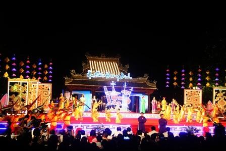 Đêm tôn vinh tinh hoa ca Huế diễn ra đầy trang trọng, ấm áp và quý phái