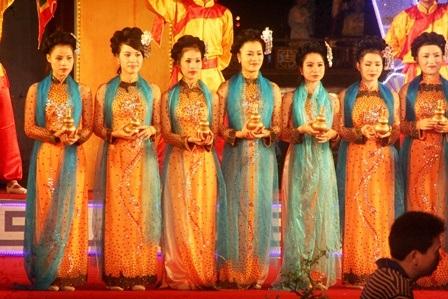 Những cô gái Huế xinh đẹp này đã từng làm xiêu lòng bao mặc khách đến cố đô