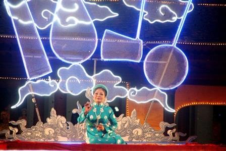 Nghệ nhân Thanh Tâm gắn trọn một đời với ca Huế có chất giọng ấm áp, truyền cảm da diết