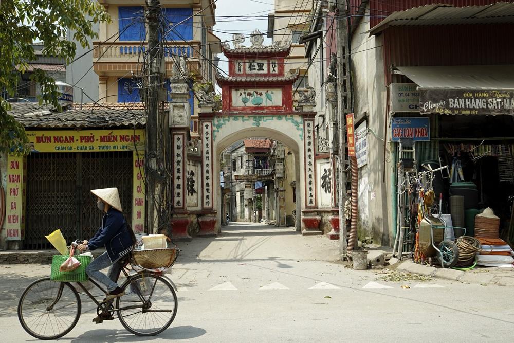 Cổng vào xóm Giữa thôn Tràng.