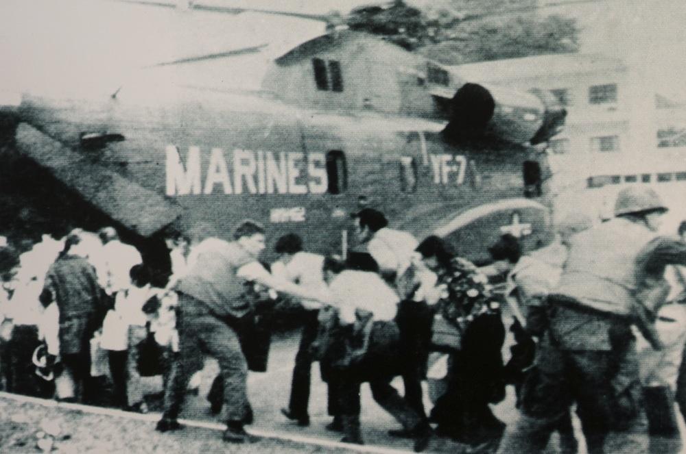Tướng lĩnh và quan chức cấp cao chính quyền Sài Gòn tranh nhau trốn ra nước ngoài, ngày 30/4/1975.