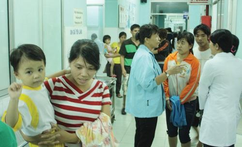 Hơn 50 trẻ mầm non nhập viện vì sốc thuốc - 1