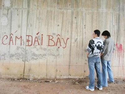 Truyện 2 thằng Mỹ học tiếng Việt Camdai1_093cc