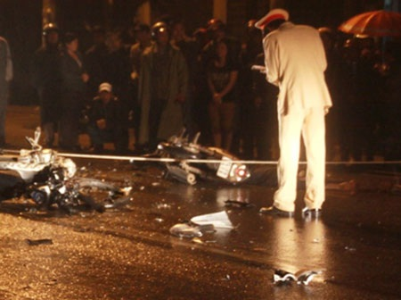 Hai người tử vong trong vụ tai nạn xe máy - 1
