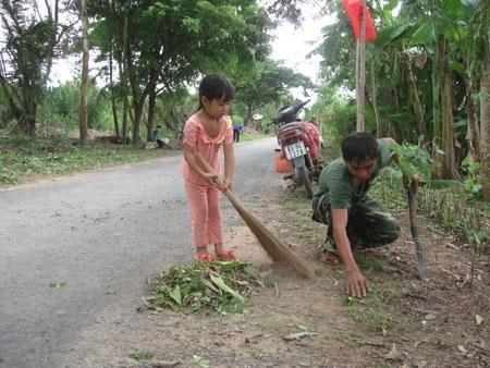 Cán bộ, chiến sĩ quân đội tham gia xậy dựng nông thôn mới