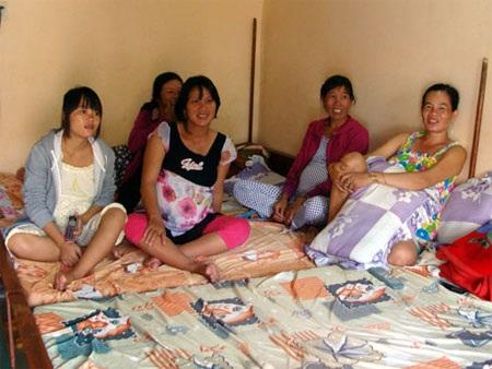 Nhiều phụ nữ ở đảo Lý Sơn vượt biển vào đất liền chờ ngày sinh nở