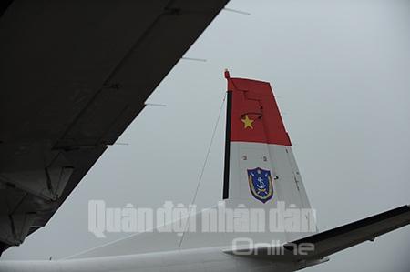 Quốc kỳ Việt Nam đã được in đậm ở phần đuôi máy bay.