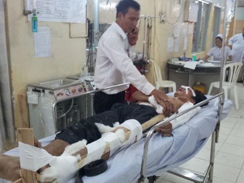 4 công nhân bị thương đang được cấp cứu tại Bệnh viện Bà Rịa