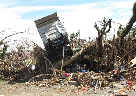 Philippines hoang tàn sau bão.