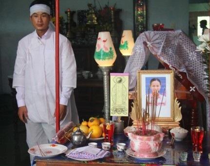 Nữ phóng viên Hồng Sen ra đi, để lại con thơ, người chồng không có công việc ổn định và cha mẹ già