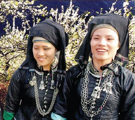 Thiếu nữ Nùng Dín (Ảnh: Báo Lào Cai)