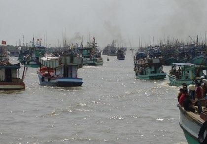 Sông đốc là thị trấn sầm uất nhất miền Tây, với mật độ dân cư dày đặt hơn bất cứ thị trấn nào.