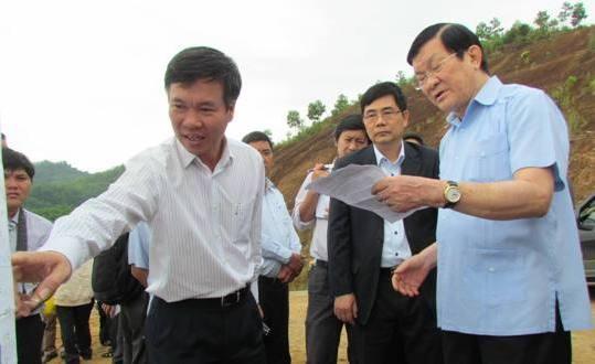 Chủ tịch nước Trương Tấn Sang kiểm tra tại thủy điện Nước Trong