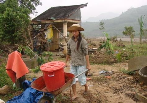 Mùa mưa lũ, nhiều thủy điện đua nhau xả lũ, người dân hạ lưu lĩnh đủ