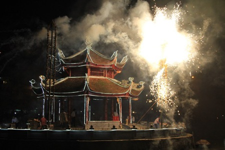 Hà Nội: Màn biểu diễn pháo bông sau 20 năm bị cấm