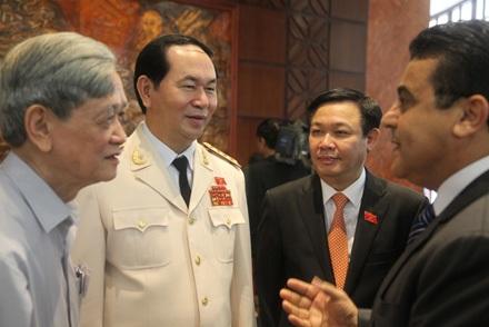 Bộ trưởng Công an Trần Đại Quang bên hành lang kỳ họp Quốc hội
