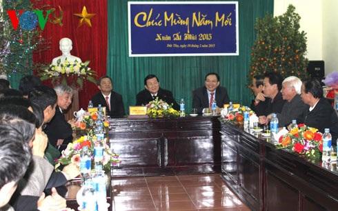 Chủ tịch nước Trương Tấn Sang thăm và chúc Tết chính quyền và nhân dân huyện Đức Thọ